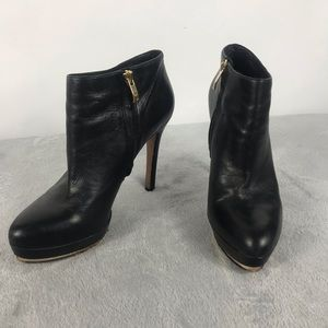 Vince Camuto Black Leather Ankle Shooties Size 10M